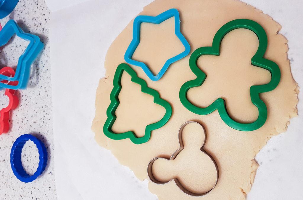 preparar galletas de navidad decoradas con fondant 2