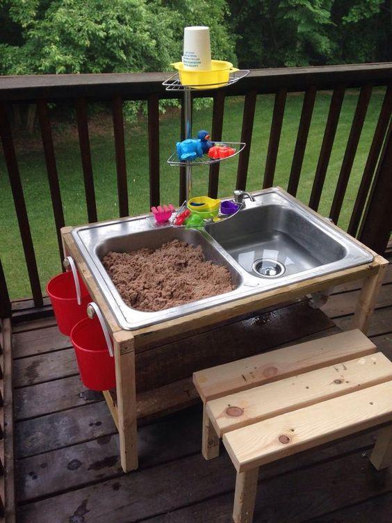 caja arena actividades niños verano