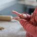 Actividades Sensoriales para Niños - Modelar con arcilla, plastilina o pasta de sal