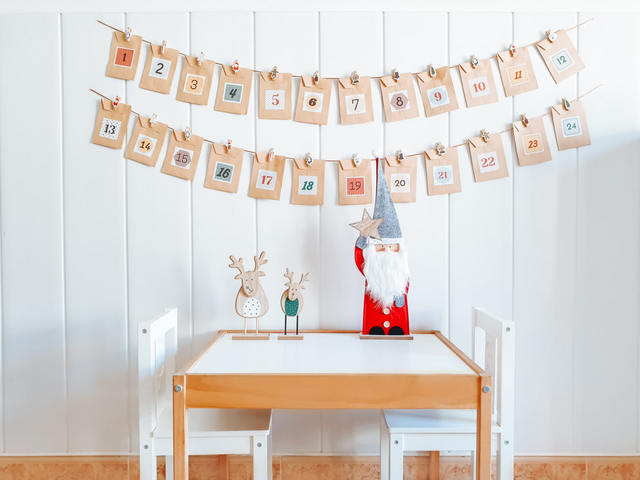 Calendario de Adviento DIY sobres colgados - Homemade Advent Calendar - Imrimible gratis pdf - Navidad - Christmas