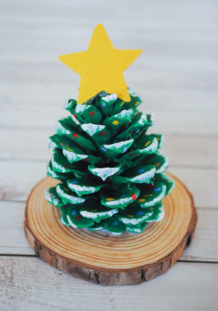 Manualidades para Navidad para hacer con niños en casa - Christmas Crafts with Kids to make at home - Arbol con piñas