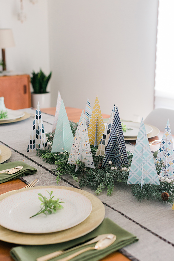 Manualidades para Navidad para hacer con niños en casa - Christmas Crafts with Kids to make at home - Arbol de papel