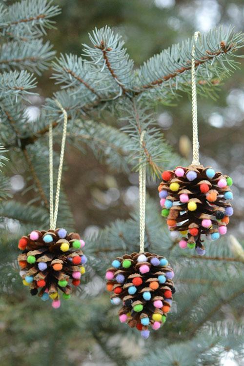 Manualidades para Navidad para hacer con niños en casa - Christmas Crafts with Kids to make at home - Manualidad con piñas