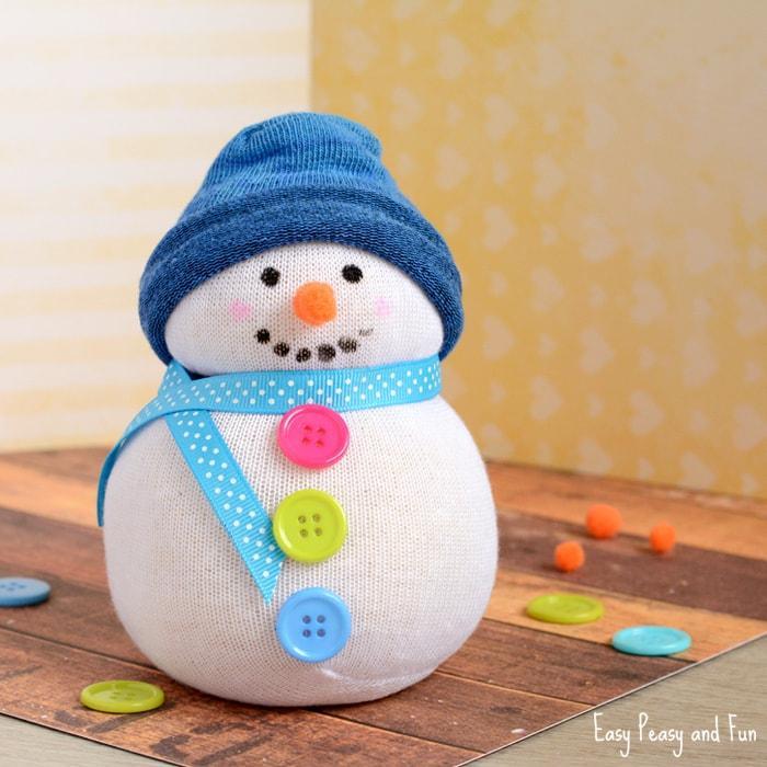 Manualidades para Navidad para hacer con niños en casa - Christmas Crafts with Kids to make at home - Muñeco de nieve con calcetin