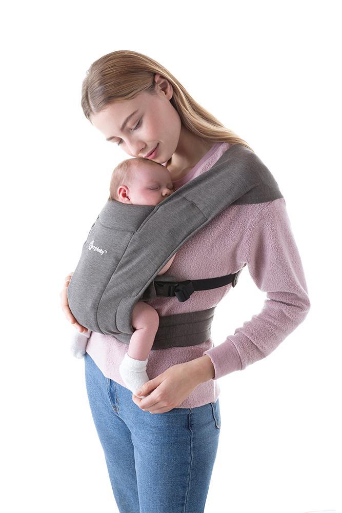 Imprescindibles para la llegada del bebe - Mochila Ergobaby